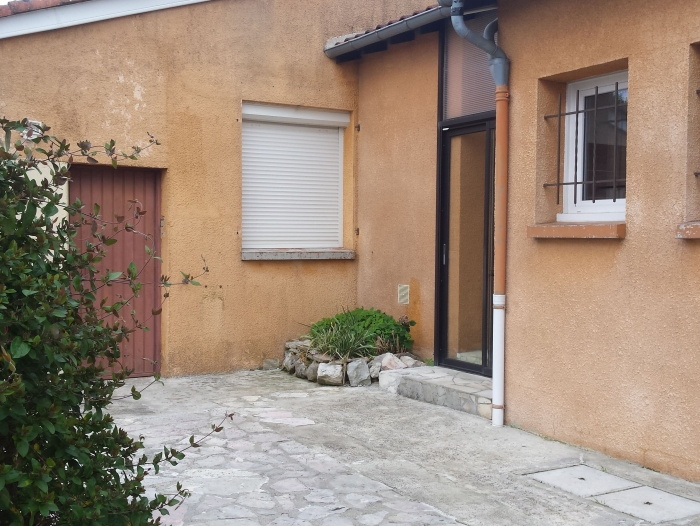 Location Villa avec piscine 4 pièces La Tour-du-Crieu (09100)