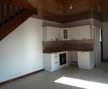 Location Maison de village 4 pièces Saint-Rémy-sur-Durolle (63550) - CENTRE BOURG